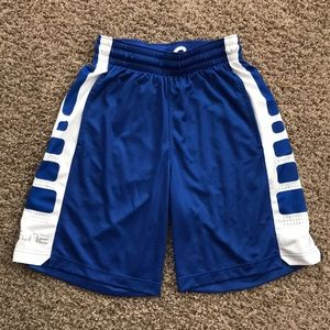 Nike elite Men's basketball shorts. Small.